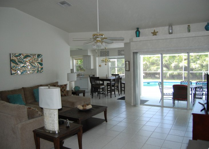 Sunburst Villa 3 bed/ 2 bath pool home in a quiet area but close to everything #3