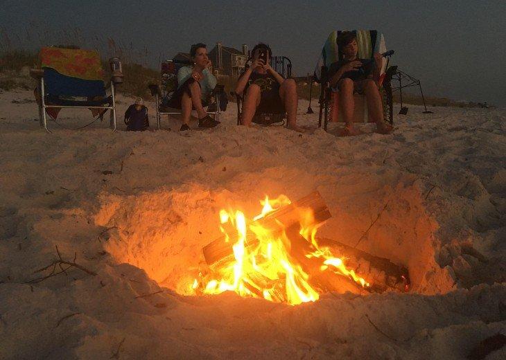 Enjoy a Family Bonfire on the Beach