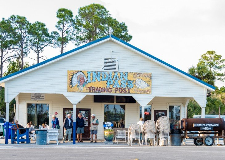 Indian Pass Raw Bar - Fresh Seafood Right Out of the Gulf!