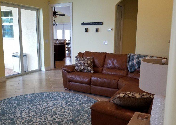 Family Room (amazing reclining seats)