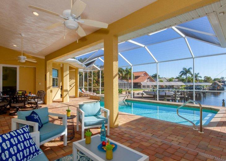 Sailboat access, 4 bedroom plus Den, Pool, Hot Tub, Sleeps 10, Sunny Daze Villa #8