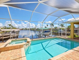 Pool, Spa, HUGE 250' Canal View