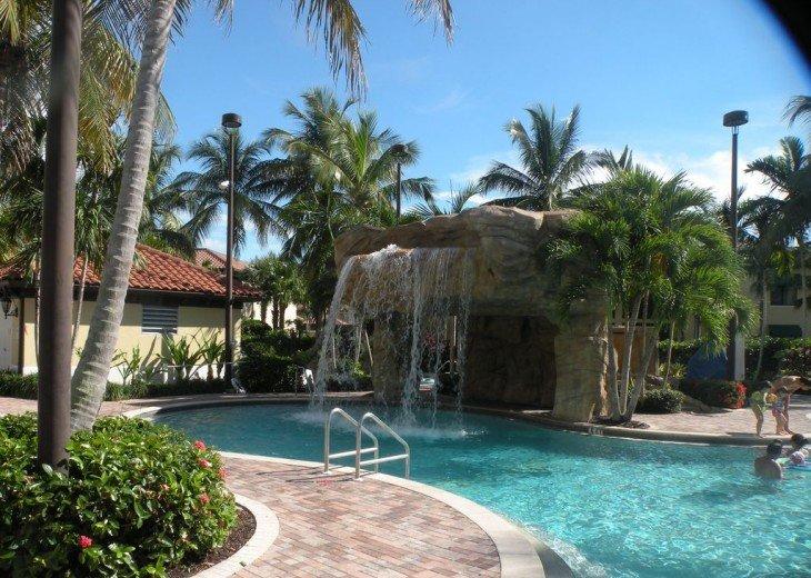 Gorgeous condominium located in prestigious Naples Bay Resort!!!! #15
