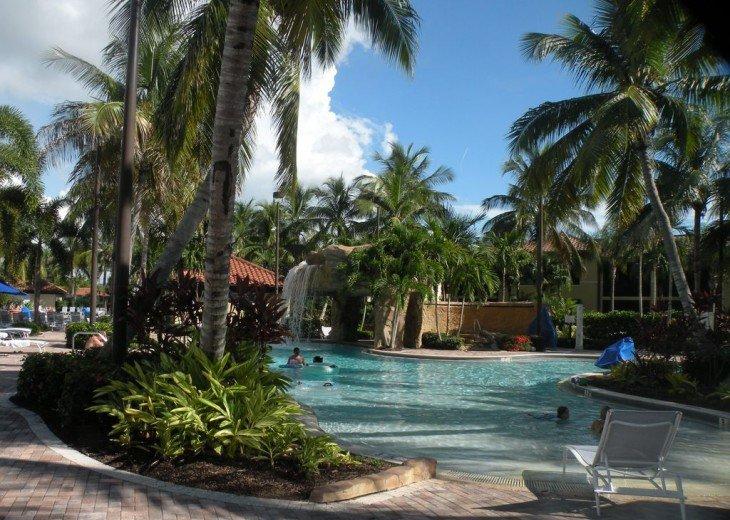 Gorgeous condominium located in prestigious Naples Bay Resort!!!! #17