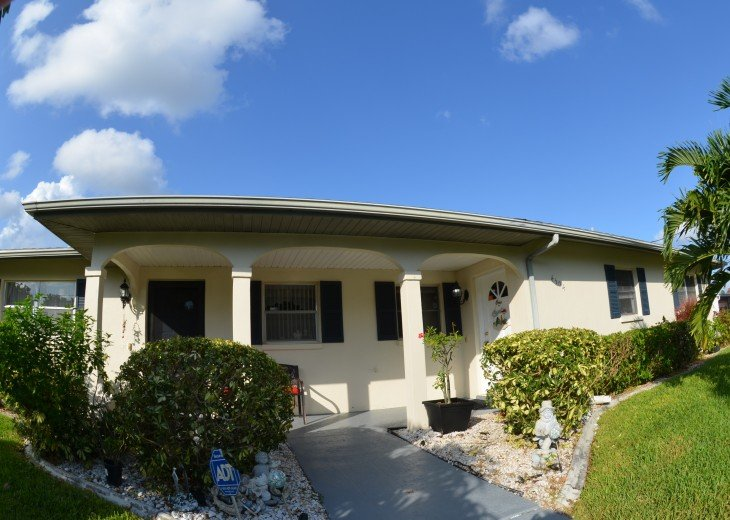 FRONT VIEW OF GULF ACCESS COTTAGE,