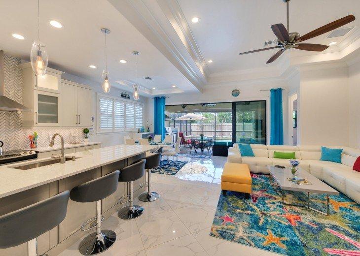 Sleek and Modern Pool & Spa Private Naples Park Home #9