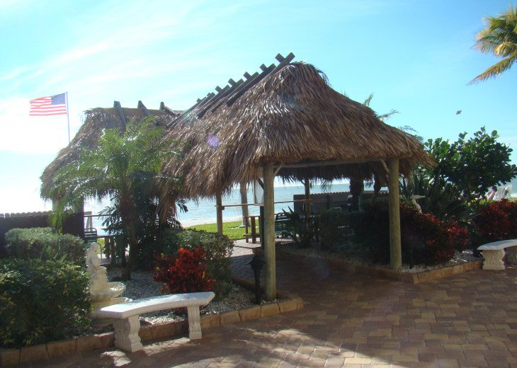 Tiki hut with wonderful view of the Gulf of Mexico
