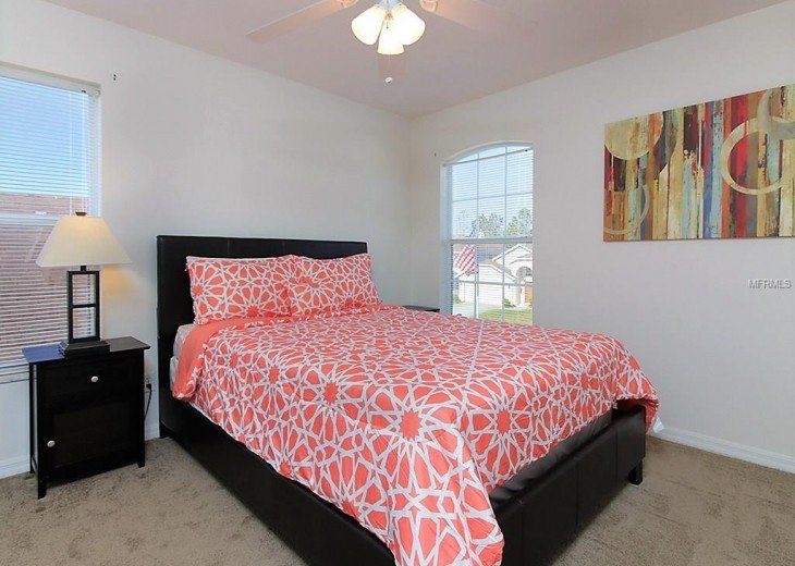 4 bedroom South Facing Home in Highlands Reserve #10