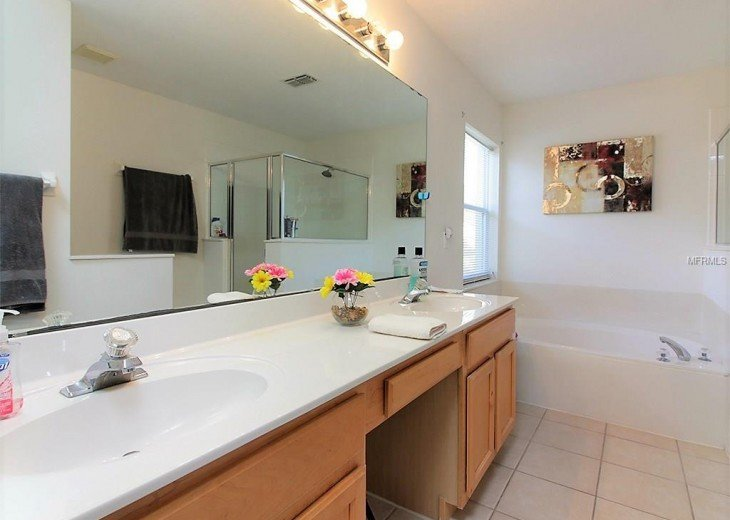 4 bedroom South Facing Home in Highlands Reserve #13