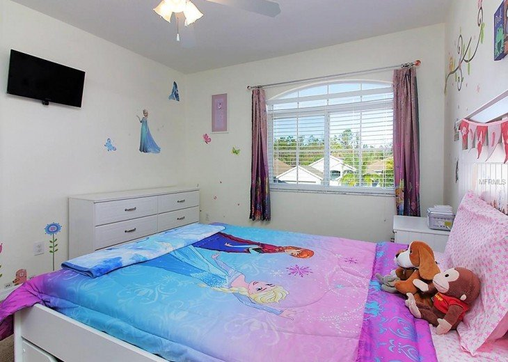 4 bedroom South Facing Home in Highlands Reserve #8