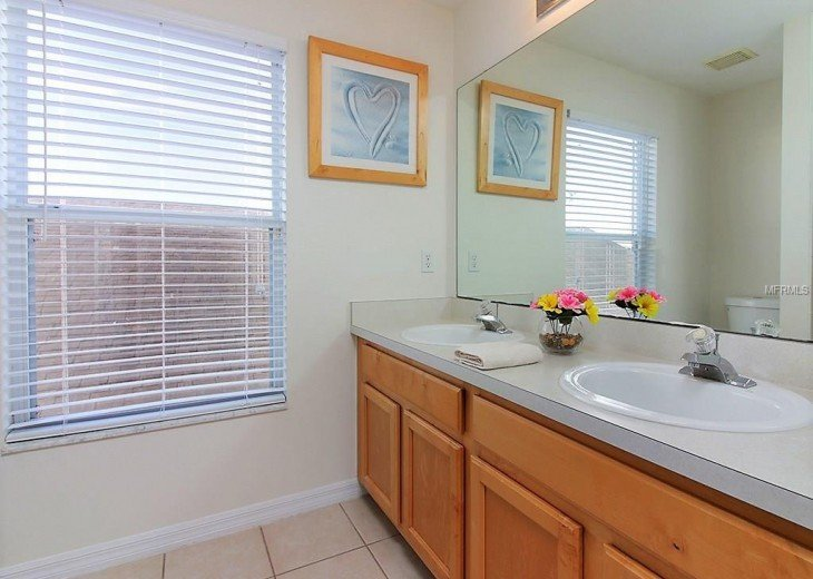 4 bedroom South Facing Home in Highlands Reserve #6