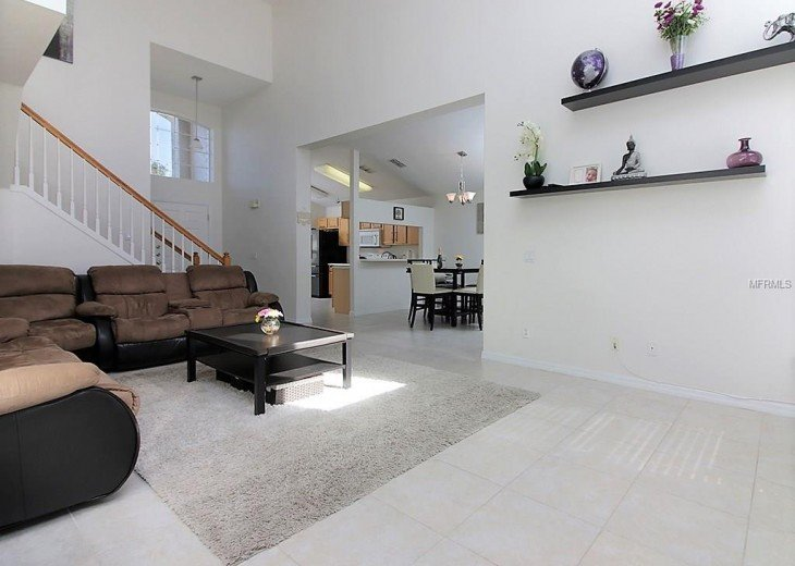 4 bedroom South Facing Home in Highlands Reserve #17