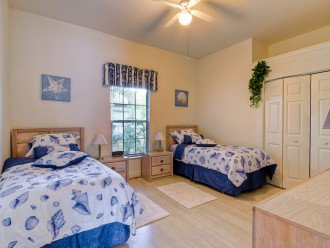 2. bedroom (you can put the twin beds together)