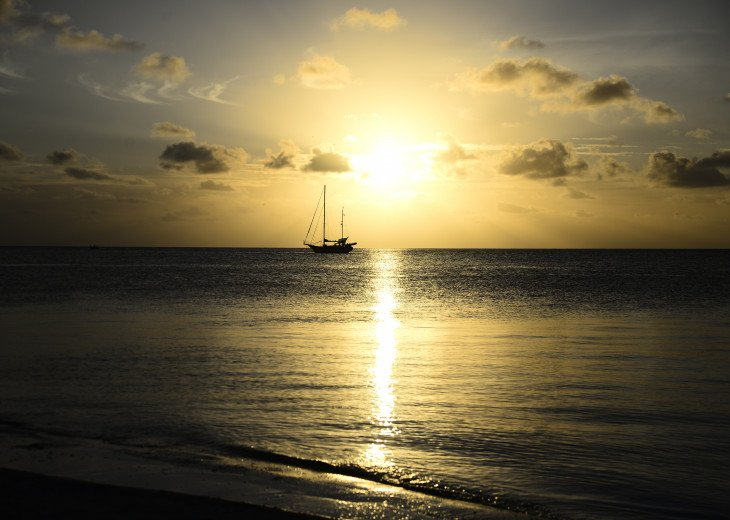 Islamorada Beachfront Apartment - Great Sunsets! Private Beach! #23