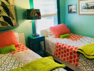 1 of 2 bedrooms in cottage with 2twin beds