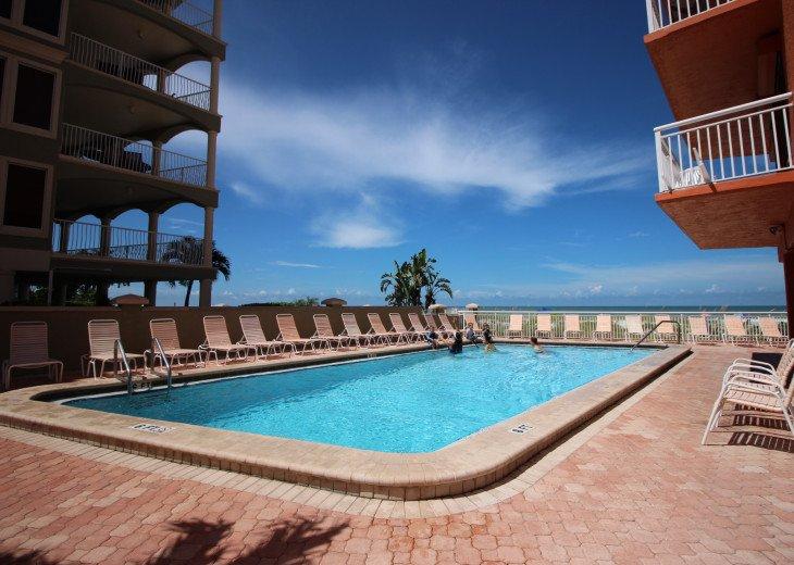 Chateaux Beachfront Dream Retreat - Unit # 303 #5