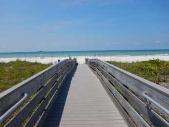 1 Mile To The Beach! Private Apartment! Available in April! Washer/Dryer/Park. #1