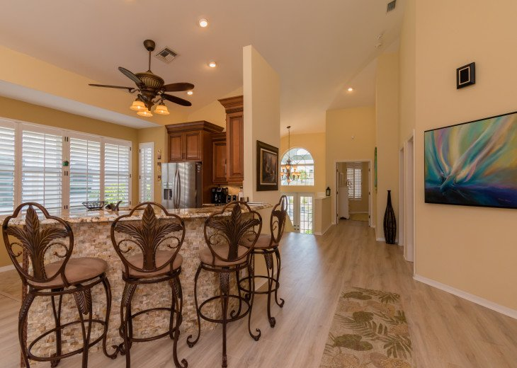 COME STAY AT BEAUTIFUL & PEACEFUL OSTEGO BAY AND ENJOY A SPACIOUS 2,100 SQ FT #12