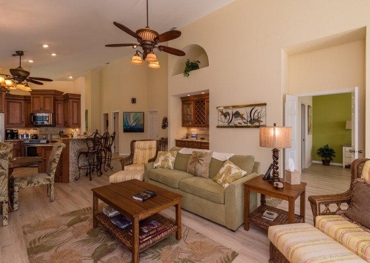 COME STAY AT BEAUTIFUL & PEACEFUL OSTEGO BAY AND ENJOY A SPACIOUS 2,100 SQ FT #10