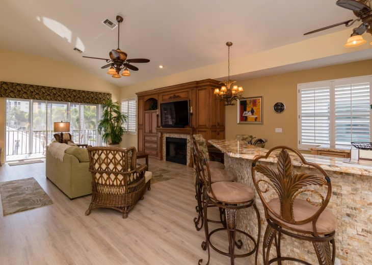COME STAY AT BEAUTIFUL & PEACEFUL OSTEGO BAY AND ENJOY A SPACIOUS 2,100 SQ FT #5