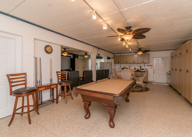 COME STAY AT BEAUTIFUL & PEACEFUL OSTEGO BAY AND ENJOY A SPACIOUS 2,100 SQ FT #22