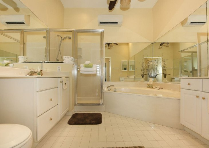COME STAY AT BEAUTIFUL & PEACEFUL OSTEGO BAY AND ENJOY A SPACIOUS 2,100 SQ FT #15