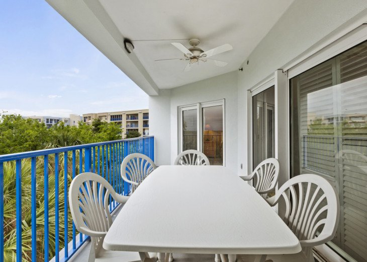Oceanview Condo with lots of space for a family. #18