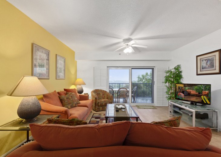 Oceanview Condo with lots of space for a family. #24