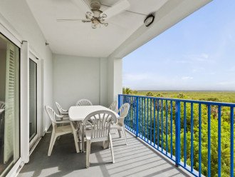 Oceanview Condo with lots of space for a family. #1
