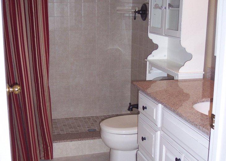 Ensuite master bath with walk in shower
