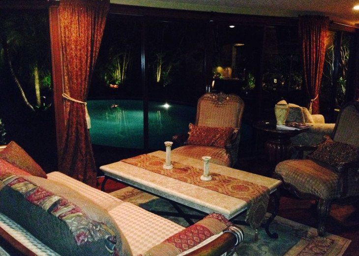 Vacationer's Paradise! Beautiful designer's 3/3, heated pool, gym, home theatre #11