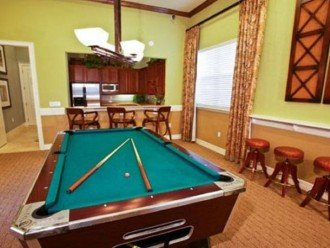 gameroom pool table