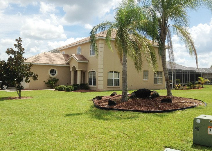 "LUXURY VILLA, NEXT TO DISNEY WORLD, WI-FI, POOL, HOT TUB, GRILL, 60"" SMART TV, #1"