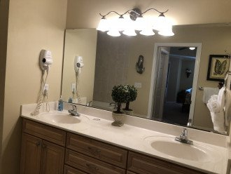 """Master """"His & Hers"""" Sink"""