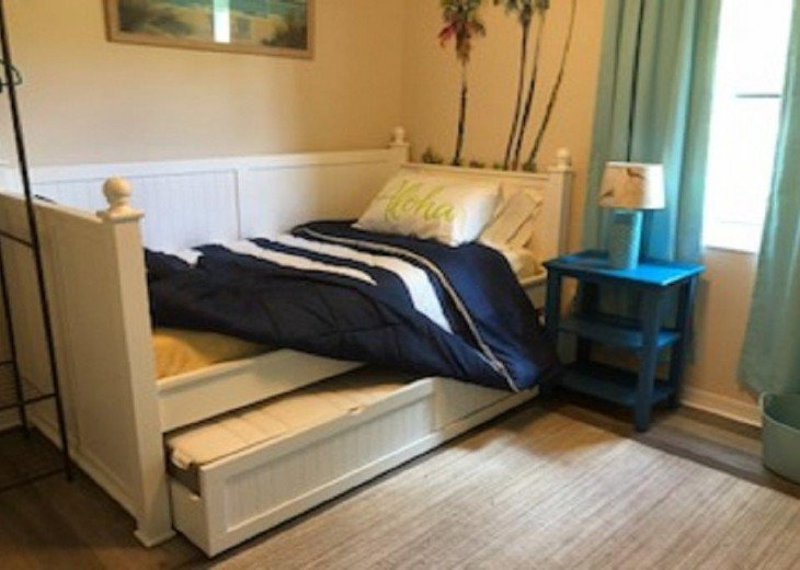 17 SEASIDE TWO BEDROOM TWO BATH CONDO PET FRIENDLY #4