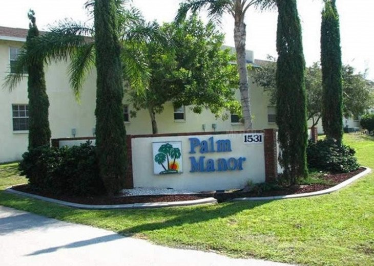 WELCOME TO PALM MANOR