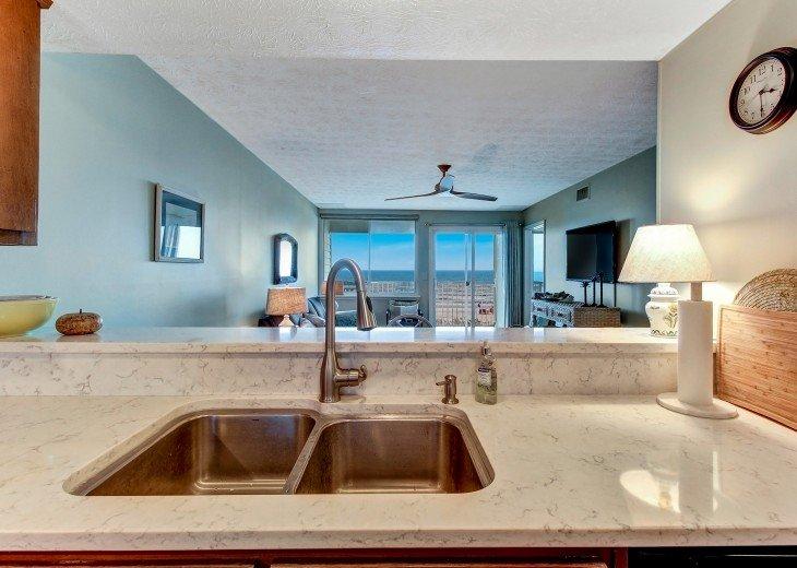 2 bedroom, 1 bath Oceanfront Condo #10