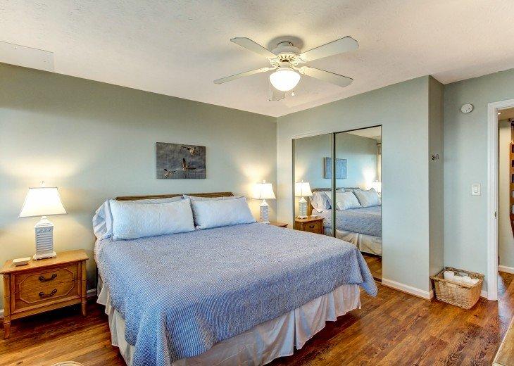 2 bedroom, 1 bath Oceanfront Condo #15