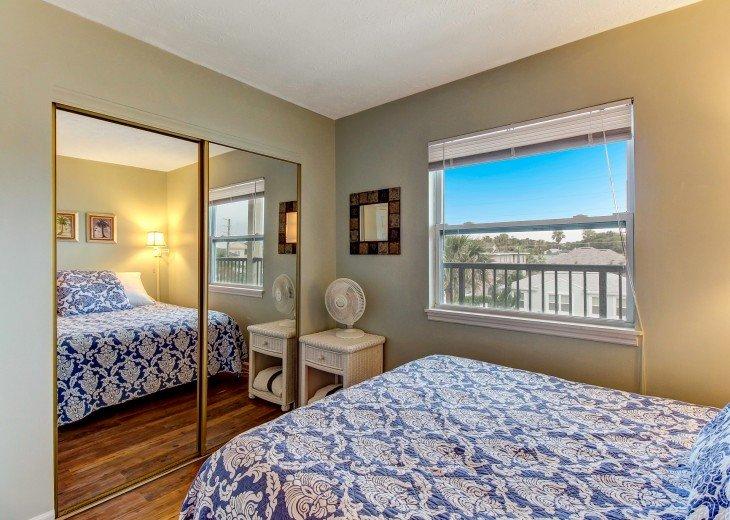 2 bedroom, 1 bath Oceanfront Condo #21