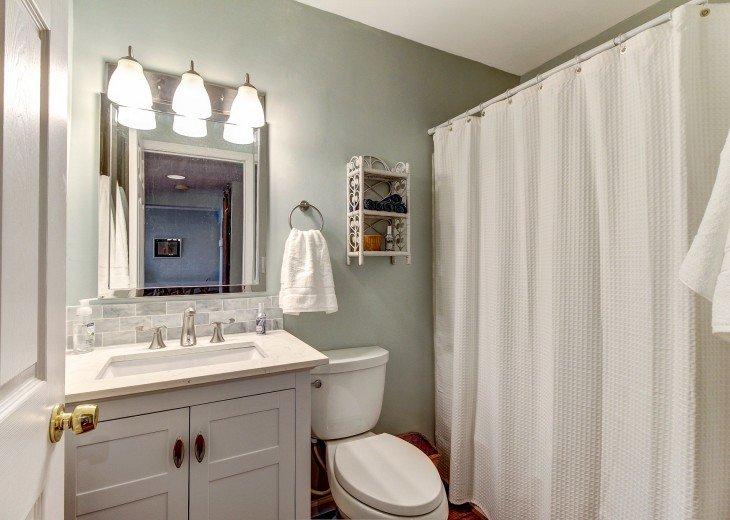 2 bedroom, 1 bath Oceanfront Condo #18