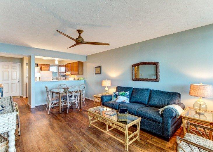 2 bedroom, 1 bath Oceanfront Condo #4