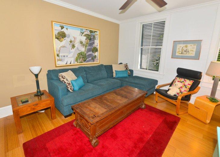 living room/ TV room