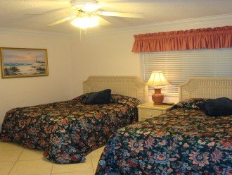 Two double beds - Unit 1083