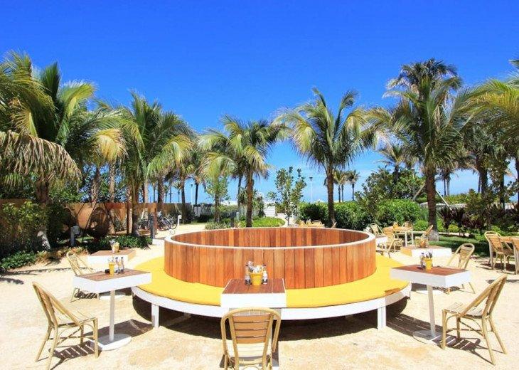 Miami Beach Townhouse Pool Villas #22