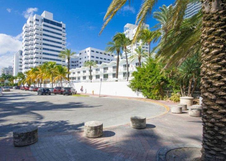 Miami Beach Townhouse Pool Villas #42