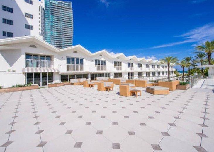 Miami Beach Townhouse Pool Villas #18