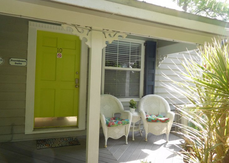 Townhouse, 1/2 Block from Duval in Old Town. Monthly Only** #29