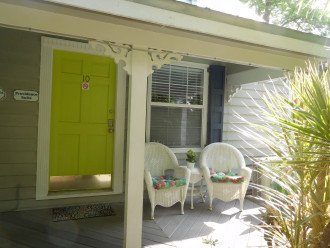 Townhouse, 1/2 Block from Duval in Old Town. Monthly Only** #1