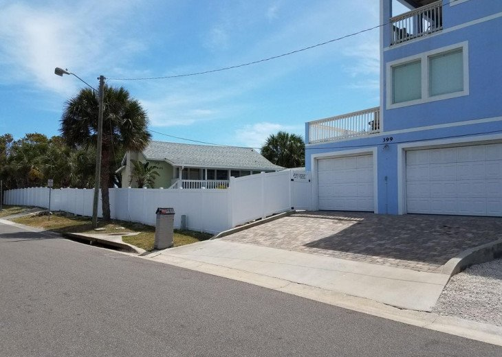 House on Oceanfront Property, Great Ocean View, Steps To The Sand, Sleeps 10. #25