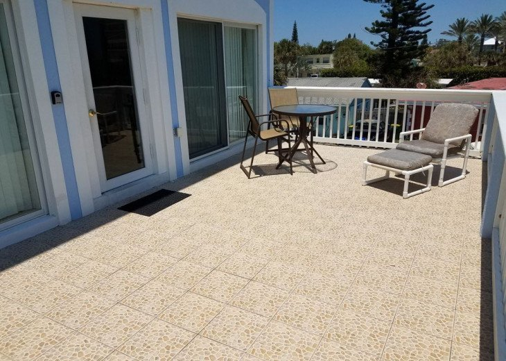 House on Oceanfront Property, Great Ocean View, Steps To The Sand, Sleeps 10 #16